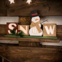 Family Christmas Karácsonyi polcdísz hóemberrel - 32 x 16,2 cm