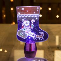 Family Christmas Karácsonyi asztali LED dekor - fényes talppal - csizma - lila - 15 cm