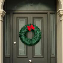 Family Christmas Karácsonyi ajtódísz - piros masnival és dísszel